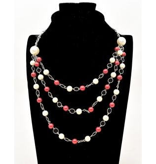 Queen Red and White Pearl Necklace