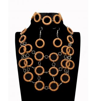 Queen Wooden Rings Accessory Set