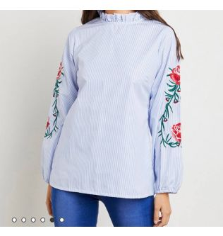 Long Sleeves Casual Top with Flowers on Sleeves